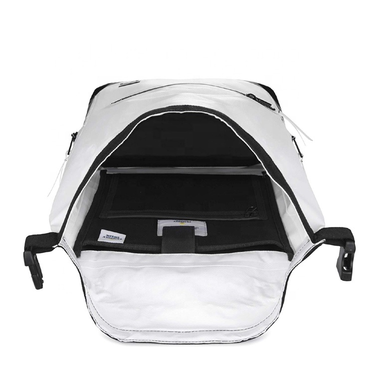 Waterproof Dry Bag Backpack White Heavy Duty Roll Top Closure 30L Dry Bag For Rafting Skating Camping